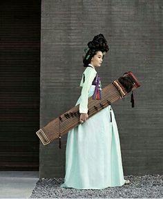 Hanbok 한복 Korean Traditional, Traditional Fashion, Traditional Dresses, Korean Street Fashion, Asian Fashion, Cherry Blossom Girl, Modern Hanbok, Korean Design, Korean Dress