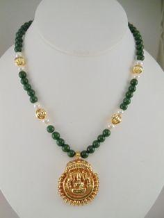 Jade,Pearls and Golden Lakshmi Pearl Necklace Designs, Gold Earrings Designs, Jade Necklace Pendant, Gold Necklace, Gold Jewelry Simple, Jade Jewelry, Antique Jewellery Designs, Antique Jewelry, Collar Verde
