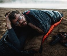 Our Sueño Sleeping Bag was designed to keep you toasty and comfortable during epic backpacking and car-camping adventures. At the heart of this bag is responsibly sourced, 800-fill water-resistant duck down, which provides big doses of heat-trapping warmth in a low-bulk silhouette. With a 15-degree rating and 2lb 13oz weight, the versatile Sueño is ideal for a wide range of sleeping situations—from fall, spring, and summer backpacking trips to mild winter yurt expeditions. An Eyelok hood…