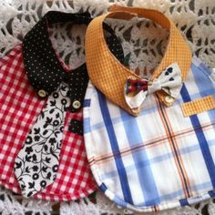 Baby bibs recycled from old shirts. Baby Gifts To Make, Diy Bebe, Bib Pattern, Baby Sewing Projects, Baby Crafts, Baby Accessories, Baby Bibs, Baby Wearing, Baby Quilts
