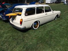 Bruce Stieve just found this beauty and needed to share Volkswagen Type 3, Vw Modelle, Vw Variant, Safari Windows, Hot Vw, Mode Of Transport, Custom Cars, Dream Cars, Boats
