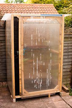 diy greenhouse gute idee ich brauche ein tomatenhaus und habe nur ein schmales budget. Black Bedroom Furniture Sets. Home Design Ideas