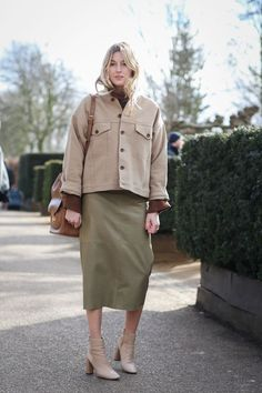 This is truly a new safari look we'd want to wear right now. Make your own with a boxy jacket and pencil skirt.H