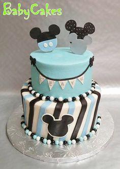 Mickey Mouse themed birrhday cake.