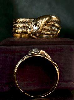 Victorian Snake Ring, gold, English, c. Snake Jewelry, Jewelry Art, Jewelry Accessories, Fine Jewelry, Ancient Jewelry, Antique Jewelry, Vintage Jewelry, The Bling Ring, Snakes