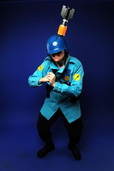Awesome TF2 cosplay!