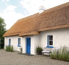Exterior of an Irish thatched cottage