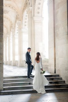 A winter wedding in the heart of Paris! Paris Elopement, Paris Wedding, Elope Wedding, Dream Wedding, Destination Wedding Inspiration, Wedding Photo Inspiration, Destination Weddings, Beautiful Wedding Gowns, Timeless Wedding