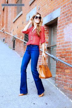 That girl: Jeans Flore Tendencia 2015 #Jeans #flare #pantalones #acampanados #fashion #moda #tendencia #2015 #denim #spring #colors #ootd #outfit #look #lookbook #love #style #fashionpost #urban #fashionista