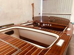 Boat Plans 621707923544568377 - Barrelback Custom — Classic Wooden Boat Plans Source by Wooden Boat Building, Wooden Boat Plans, Boat Building Plans, Chris Craft Wooden Boats, Wood Boats, Yacht Design, Boat Design, Power Boats, Speed Boats
