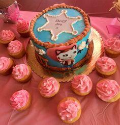 Sheriff Callie Birthday Cake and Cupcakes
