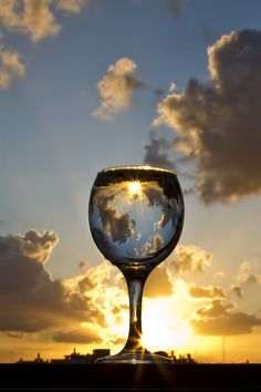 Risultati immagini per wine glass photography Glass Photography, Reflection Photography, Creative Photography, Amazing Photography, Nature Photography, Cool Pictures, Cool Photos, Beautiful Pictures, Montage Photo
