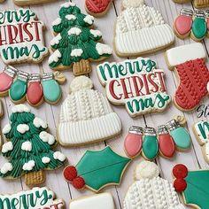 Christmas Tree Cookie Cutter, Christmas Sugar Cookies, Christmas Sweets, Holiday Cookies, Christmas Baking, Iced Cookies, Royal Icing Cookies, Cookies Et Biscuits, Owl Cookies