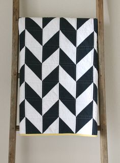 navy and white nautical herringbone quilt. CB Handmade 2014 yellow binding and maybe some sashiko stitching Black And White Quilts, Navy And White, Herringbone Quilt, Nautical Quilt, Accent Wall Bedroom, Accent Walls, Half Square Triangle Quilts, Baby Quilts, Mini Quilts
