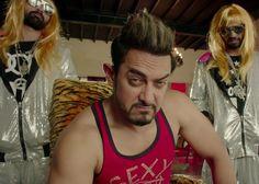 Watch: Gold-Flashing Aamir Khan and Burkha-Clad Singer in Secret Superstar Teaser - Indiansite