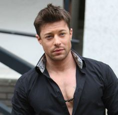 Duncan James - Birth name: Duncan Matthew James Inglis - Born: 7 April 1978 (age 35)  - Origin: Salisbury, Wiltshire, England - Read more: http://en.wikipedia.org/wiki/Duncan_James