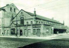 Nieistniejąca już Hala Targowa w Podgórzu, ok. 1913 r. Krakow Poland, Homeland, Old Photos, To Go, Louvre, Mansions, Architecture, House Styles, Building