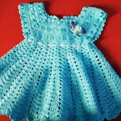 Hand Crochet, Crochet Baby, Knit Crochet, Crotchet, Jumpsuit Images, Baptism Dress, Baby Jumpsuit, Baby Yellow, Girls Dresses