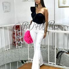 Casual Chic, White Jeans, Capri Pants, Instagram, Outfits, Fashion, Fashion Clothes, Pants, Blouses