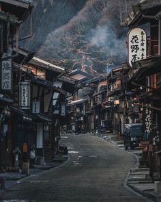 Post town of Narai along the Nakasendo Trail, Kiso. - Post town of Narai along the Nakasendo Trail, Kiso. Aesthetic Japan, Japanese Aesthetic, City Aesthetic, Japanese Landscape, Japanese Architecture, Beautiful World, Beautiful Places, Japan Street, Japon Illustration