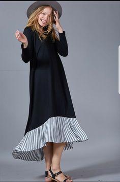 Black sweatshirt dress with ruffle stripes, long sleeves