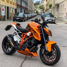 How To Have A Great Auto Repair Experience Ktm Dirt Bikes, Ktm Motorcycles, Concept Motorcycles, Motocross Bikes, Moto Bike, Motorcycle Bike, Ktm Superduke 1290, Ktm Super Duke, Duke Bike