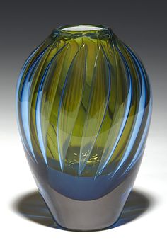 Glass art by Robinson Scott - Love this soft combination of color and how the gentle swirls of color reinforce the shape of the vase. Broken Glass Art, Sea Glass Art, Stained Glass Art, Fused Glass, Glas Art, Glass Ceramic, Glass Design, Hand Blown Glass, Blue Green