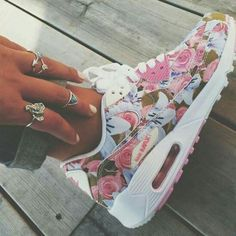 super popular 8c2df 71454 Only 21 for nike air max  Runs if press picture link get it immediately!