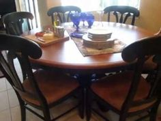 Amish Sonoma Single Pedestal Dining Room Table with Solid Top