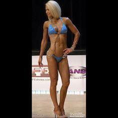 flex2bfamous flexfriday flexibledieting compete competitor fitness physique bodybuilding gains shredz shredded abz opa aroundtheopa npc ifbb ifbbpro