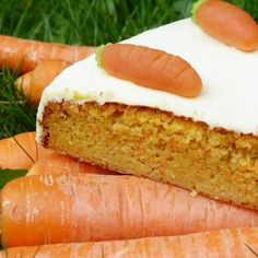Today, we celebrate a delicious cake that contains vegetables, Carrot Cake. This day is observed annually on February A cake mixed with carrots in the batter, and claim to be a healthy option since it has a vegetable in… Healthy Carrot Cakes, Best Carrot Cake, Healthy Cake Recipes, Carrot Recipes, Food Cakes, Mediterranean Diet Menu Plan, Sweet Carrot, Diet Plan Menu, Yummy Cakes