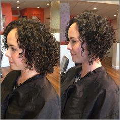 Nice shape types for long hair Curly Pixie Haircuts, Bob Haircut Curly, Messy Hairstyles, 3c Curly Hair, Curly Hair Styles, Curly Angled Bobs, Hair Today, Short Hair Cuts, Hair Inspiration