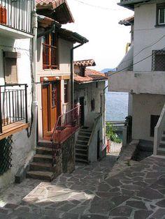 Elanxobe, Basque country