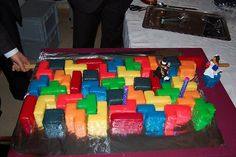 Geek cakes revisited: Another 25 geek cakes - SlipperyBrick.com