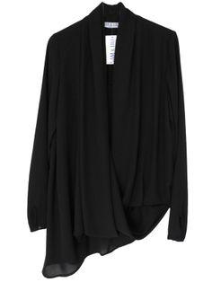 chemisier blouse drapé asymétrique sur cpourl.fr - CpourL All Black Fashion, All Black Looks, Total Black, T Shirt, Blazer, Blouse, Sweaters, Jackets, Style