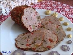 Fűszeres házi felvágott - MindenegybenBlog Serbian Recipes, Hungarian Recipes, Hungarian Food, Clean Recipes, Pork Recipes, Cooking Recipes, Sandwich Cream, Homemade Sausage Recipes, Cold Dishes