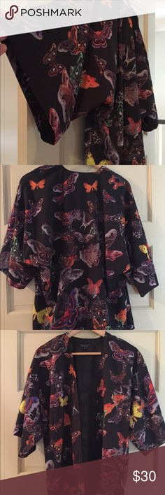Butterfly design kimono Beautiful butterfly motif design kimono from Topshop in immaculate condition. Super elegant for a night out. Topshop Tops