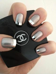 Chrome nails - want to try with a thin line.