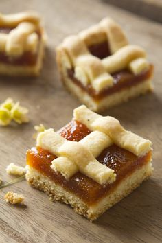 Its taste is excellent and the apricots used to make the marmalade are too. Realize this simple recipe and have breakfast like a king! Delicious Desserts, Dessert Recipes, Yummy Food, Argentine Recipes, Argentina Food, Cookies Decorados, Baked Goods, Sweet Recipes, Food To Make
