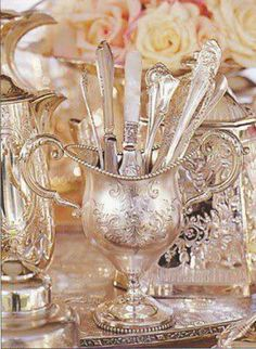 Just love vintage silver pieces Silver Trays, Silver Spoons, Silver Plate, Silver Cutlery, Vintage Silver, Antique Silver, Objets Antiques, Tea Party, Metal