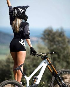 Essentials Of The Bicycle Wheels - Bike riding Montain Bike, Cycling Girls, Women's Cycling, Cycling Jerseys, Female Cyclist, Road Bike Women, Bicycle Girl, Bike Style, Mtb Bike