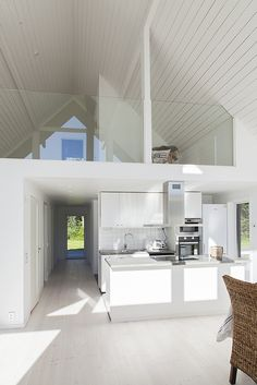 Tak öppet till nock Bedroom Loft, Home Bedroom, Architecture Details, Interior Architecture, Prefab Cottages, Modern Barn House, Compact Living, Future House, Building A House