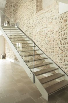 Pozzolo - A project by: Archiplan Studio Architecture Studios Architecture, Architecture Details, Stone Interior, Interior Design, Beautiful Stairs, Staircase Design, Modern Exterior, Cool Lighting, Stairways
