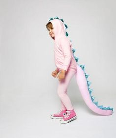 Last-Minute Halloween Costumes: Pink Dragon #halloween #costume #diy