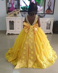 You Will Drool At These Lovely Kids Styles Children have a way of melting our hearts in their little cute fashion pieces. African Dresses For Kids, Latest African Fashion Dresses, African Dresses For Women, African Print Dresses, Toddler Girl Dresses, Girls Pageant Dresses, Kids Dress Wear, Kids Gown, Princess Dress Kids