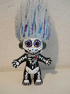 Dia de Los Muertos Troll....I'm loving this, in a weird kind of way...