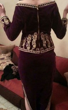 Badroune Arab Fashion, Womens Fashion, Arab Women, Most Beautiful Dresses, Oriental Fashion, Mode Hijab, Ankara Styles, Traditional Dresses, Indian Outfits