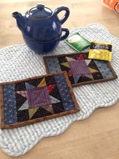 Mug mats by Kathleen Tracy. Free pattern at www.sentimentalquilter.blogspot.com…