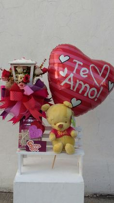 Valentine Decorations, Valentine Crafts, Be My Valentine, Valentine Day Gifts, Candy Bouquet, Balloon Bouquet, Personalized Chocolate, Personalized Gifts, Valentine Baskets