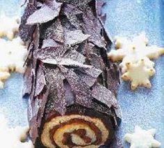 buche de noel -no recipe- love the look Christmas Sweets, Christmas Cooking, Christmas Goodies, Christmas Desserts, Holiday Treats, Holiday Recipes, Log Cake, Yule Log, Cupcake Cakes